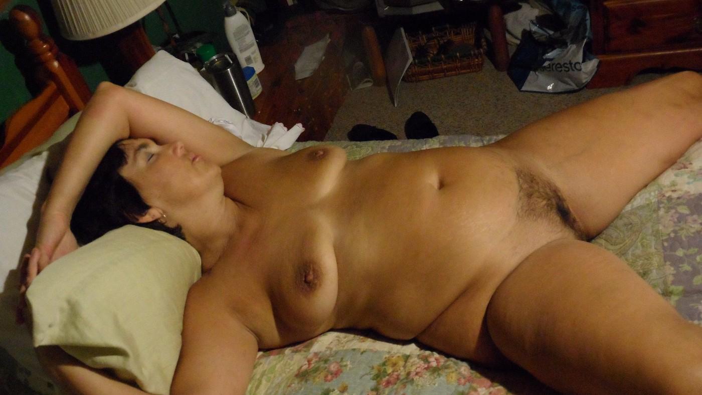 голые спящих жён
